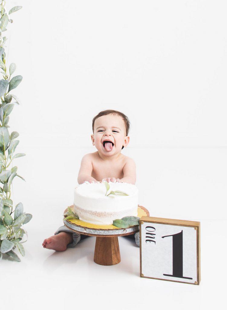 Baby boy neutral cake smash