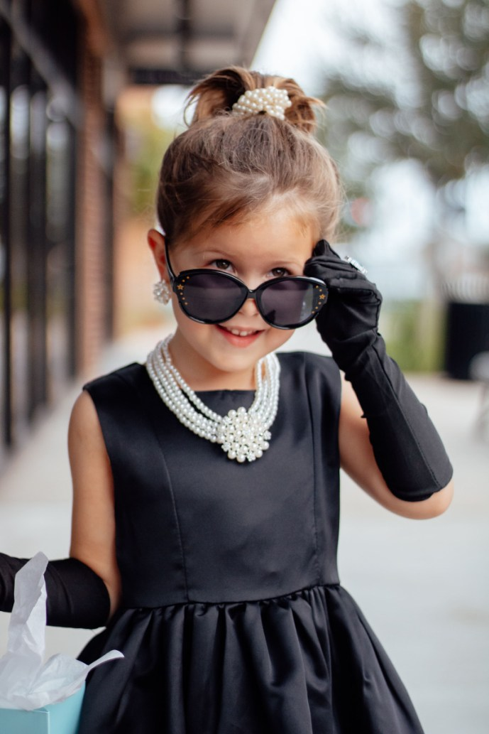 Audrey Hepburn Breakfast at Tiffany's costume accessories for girls