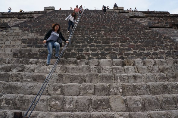 looking up the pyramid of the moon, teotihuacan
