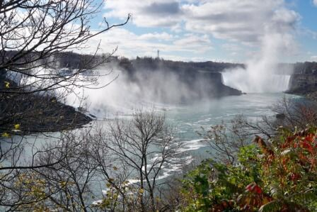 Niagara Falls train travel tips for Canada women travelers vacation