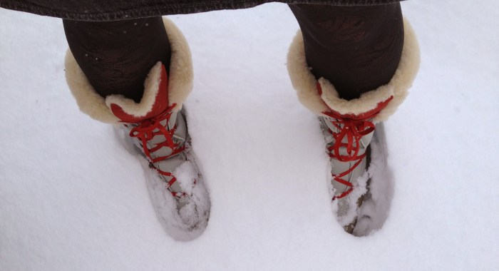 Snow boots travel shoes for women