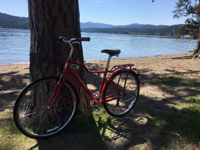 Red bike at Coeur d'Alene Lake