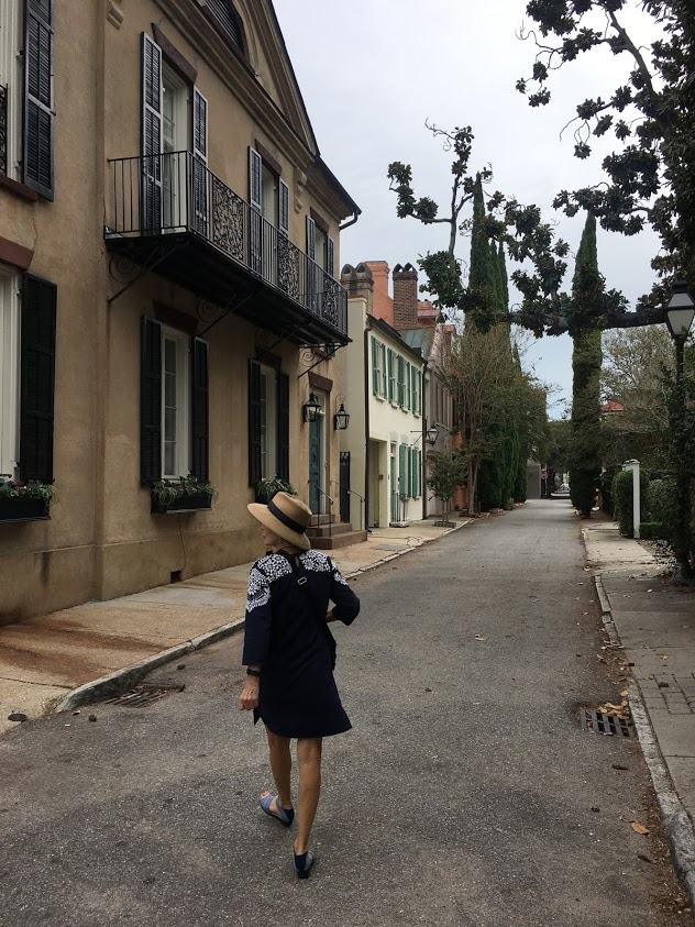 Two Sisters Tour guide for a first trip to Charleston, South Carolina