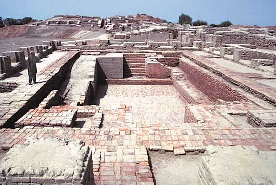 Image result for dhola vira and mohenjo daro images