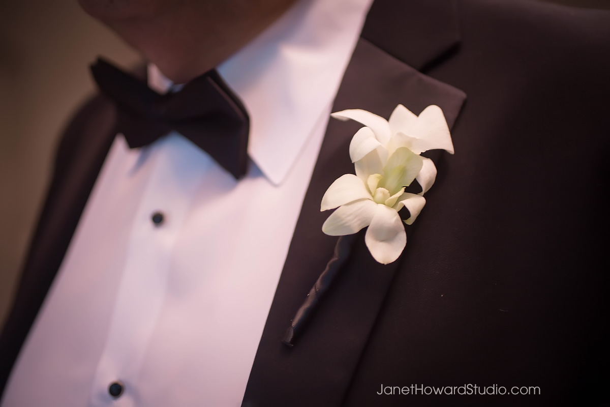 Groomsman boutonniere by Edge Design Group