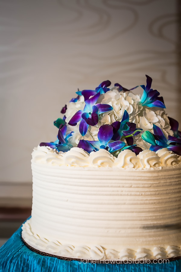 Wedding cakes and desserts by Alpine Bakery