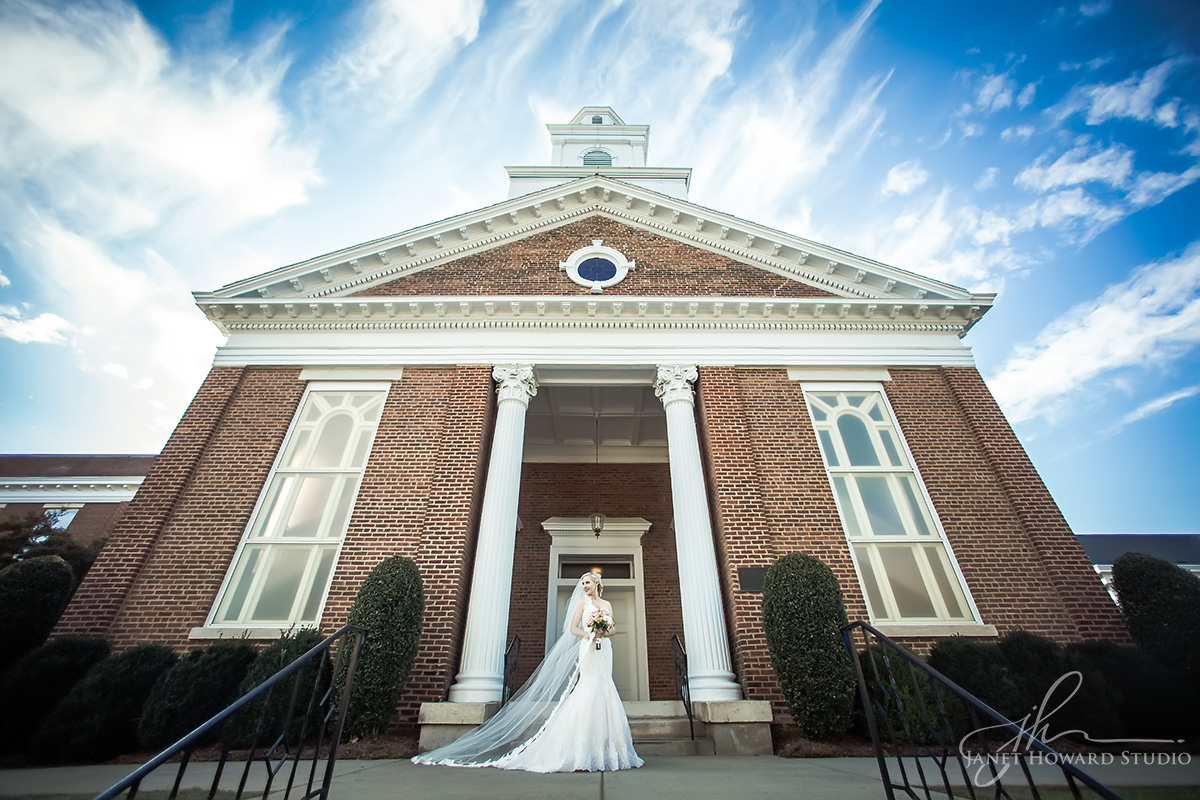 Bride at First Presbyterian Marietta
