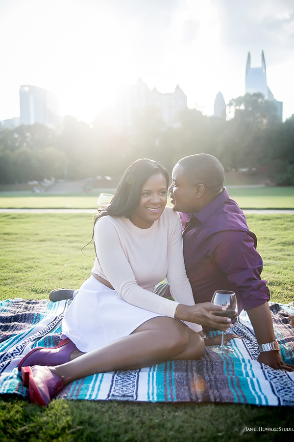 Piedmont Park picnic engagement session