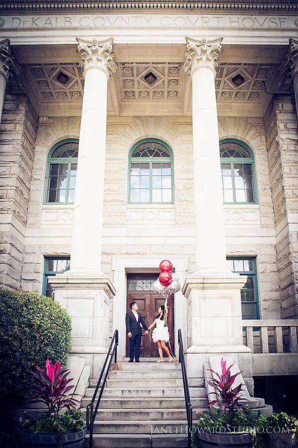 balloons engagement portraits