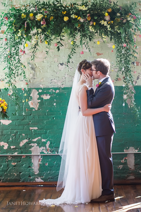 Tips for a picture perfect wedding kiss atlanta wedding if youre not so comfortable with pdas or if your family is conservative consider 3 smaller kisses instead of one it doesnt have to be a make out junglespirit Image collections