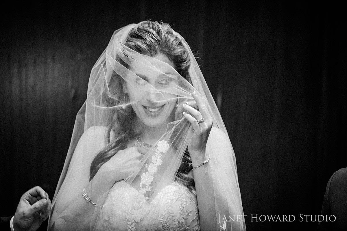 Veiled Bride | Bedeken
