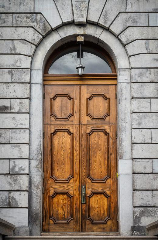 door, McGill, Leacock building, wood, Montreal