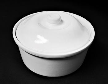 "Round Covered Casserole Dish 8.5"""