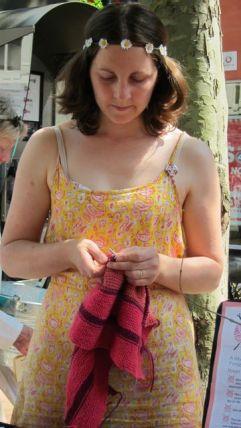 Helen: wool against weapons