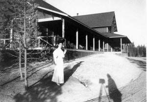 lady @ Norris 1903, Yellowstone