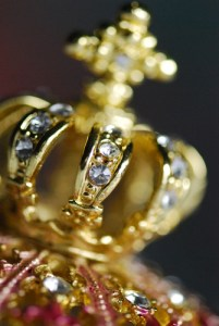 Gold Crown - Photo by red-feniks