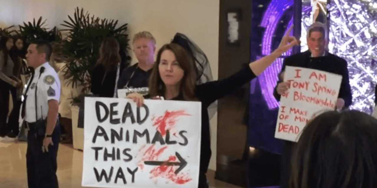 Protesters Urge: boycott stores that sell fur!