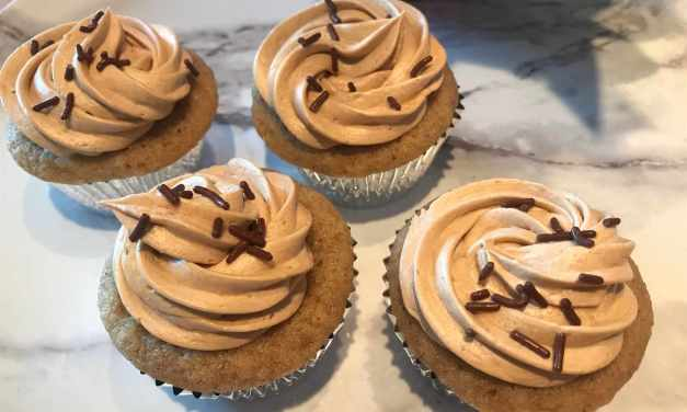 Mocha Holiday Cupcakes… Vegan Style!