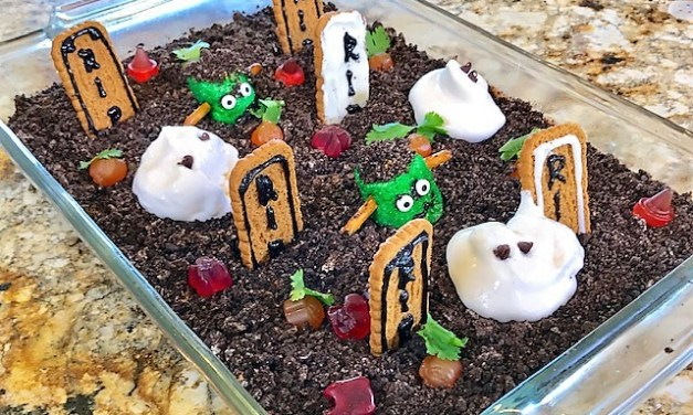 Spooky Ghosts in a Graveyard Dessert!