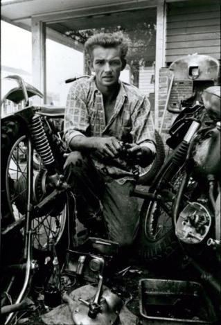 Broken Gear Bob Spring, New Orleans, 1967 Danny Lyon