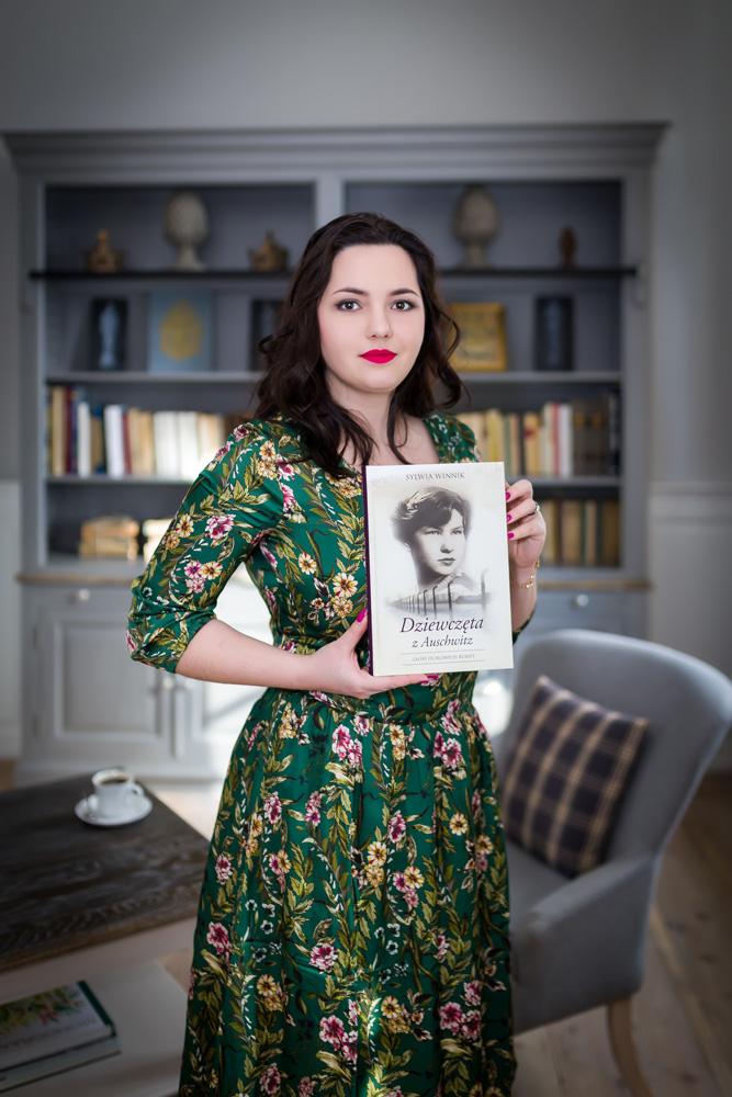 """Zdjęcia portretowe autorki Sylwii Winnik do książki """"Dziewczęta z Auschwitz"""""""
