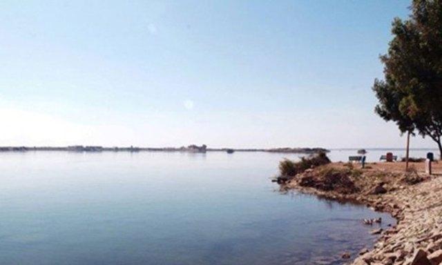 کینجھر جھیل میں پانی کی سطح خطرناک حد تک گر گئی