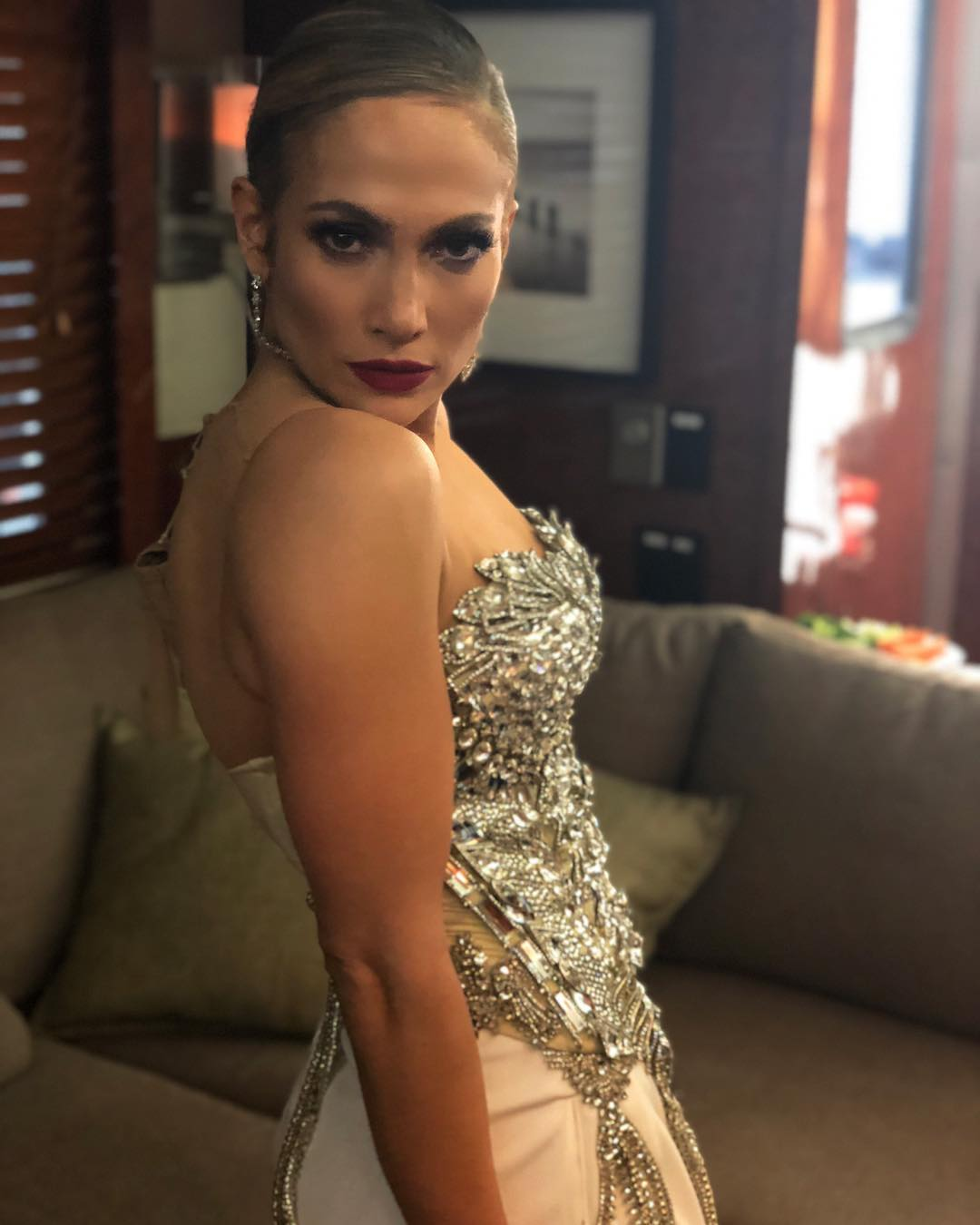 Jennifer Lopez VS Kim Kardashian