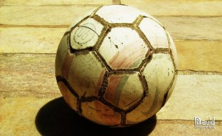 old_soccer_ball_by_dleafy (2)