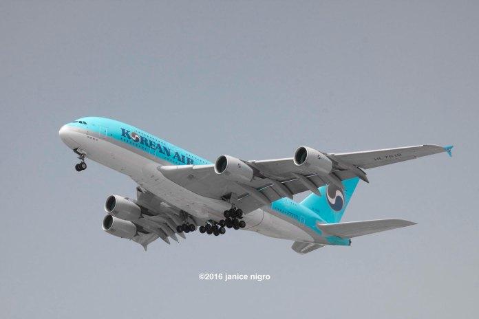 airplane 2292 copyright