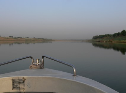 Heading off up the Chambal River