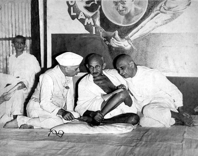 सरदार पटेल और गांधी जी
