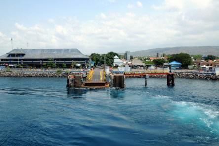 Sam odwiózł nas na prom. Płyniemy na Bali.