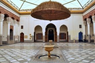 Muzeum marokańskie umieszczone we wnętrzach pałacu Dar Menebhi z XIXw.