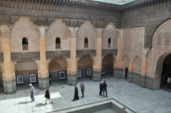 Medresa powstała przy największym i najstarszym z meczetów w Marrakeszu. Jest to największa szkoła teologiczna w Maghrebie. Zbudowana przez Saadytów w 1565 r (meczet, przy którym się znajduje wzniesiono w I poł. XII w.).