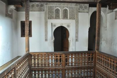 Piętro to korytarze i cele uczniów.