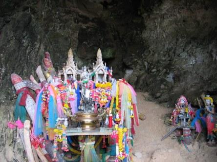 Lingamy składane bogini płodności Phra Nang.