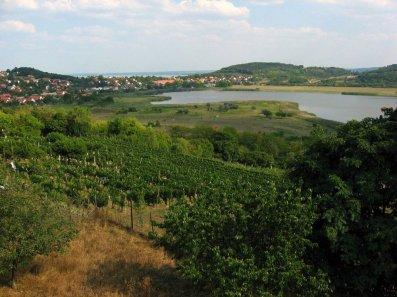 Jeziora leżą 20 metrów nad poziomem Balatonu.