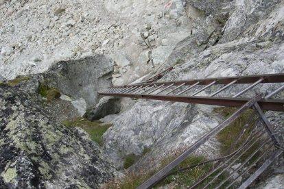 25 metrów drabin z Pas de Chevres - tu pierwsze 5 :).