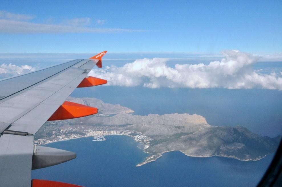 Podchodzimy do lądowania na Majorce. Najbardziej na północ wysunięty półwysep Formentor. Będziemy tam w wietrzny i pochmurny dzień.
