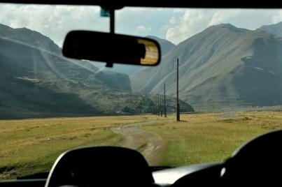 Potem mkniemy w góry, do wsi Kvemo Okrokana (jakieś 2000 m).