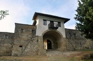 Prawosławny Monastyr Ardenica - bardzo ważny punkt na mapie Albanii. Przyjeżdżają tu pielgrzymi, turystów - zero.