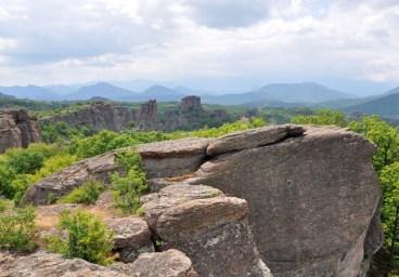 A w dalekim tle Serbia. Wszystko to Stara Płanina, część Gór Bałkańskich.
