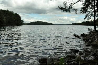 """Jeden z """"końców"""" jeziora Hańcza - tu wypływa Czarna Hańcza."""