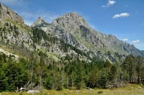 Stanowią najwyższą część Gór Dynarskich...