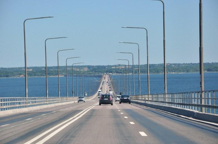 Ölandsbron - Most Kalmarski łączący ląd stały z wyspą Olandią. 6072 m długości, 156 przęseł. Budowę zakończono w 1972 roku - wówczas był to najdłuższy most w Europie.