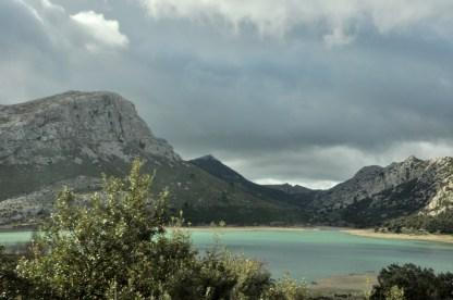 Jezioro Cuber. Wróciliśmy, by wdrapać się na Puig de l'Ofre (1097 m).