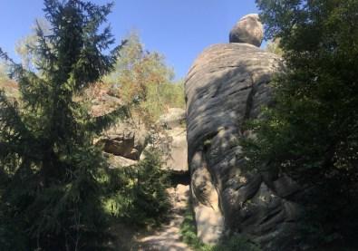 Broumovske Stěny to też kawałek Hejszowiny, zaliczane do Gór Stołowych, ale w Czechach ten zakątek nazywany jest Broumovska Vrchovina.
