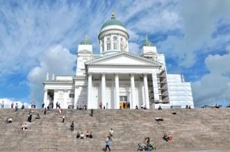 Katedra helsińska wzorowana na katedrze św. Izaaka w Petersburgu.