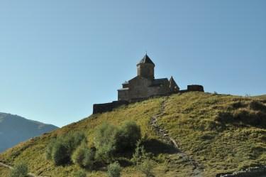 Kościółek pod wezwaniem Św. Trójcy leży na wysokości 2170 m. Jak dojechać, to tylko terenówką, jak dojść, to dość stromo.