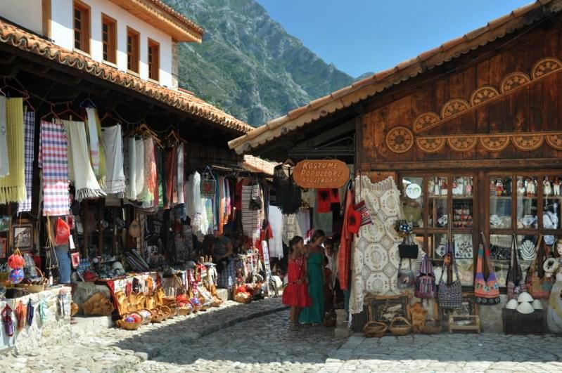 Kolorowy i egzotyczny bazar w Krui.